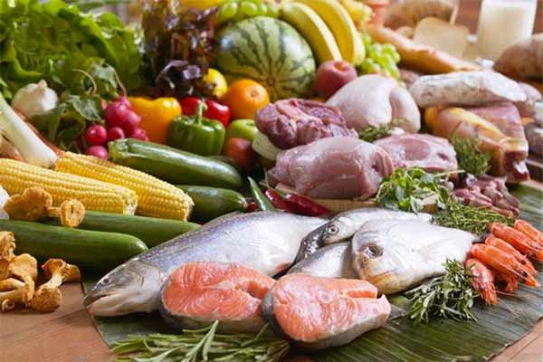 Lựa chọn đá mặt bàn và đá mặt sàn bếp an toàn với thực phẩm